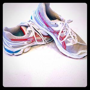ASICS Gel Cumulus Running shoe size 9